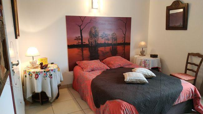 location g te st genis laval h bergement 1 6 personnes. Black Bedroom Furniture Sets. Home Design Ideas